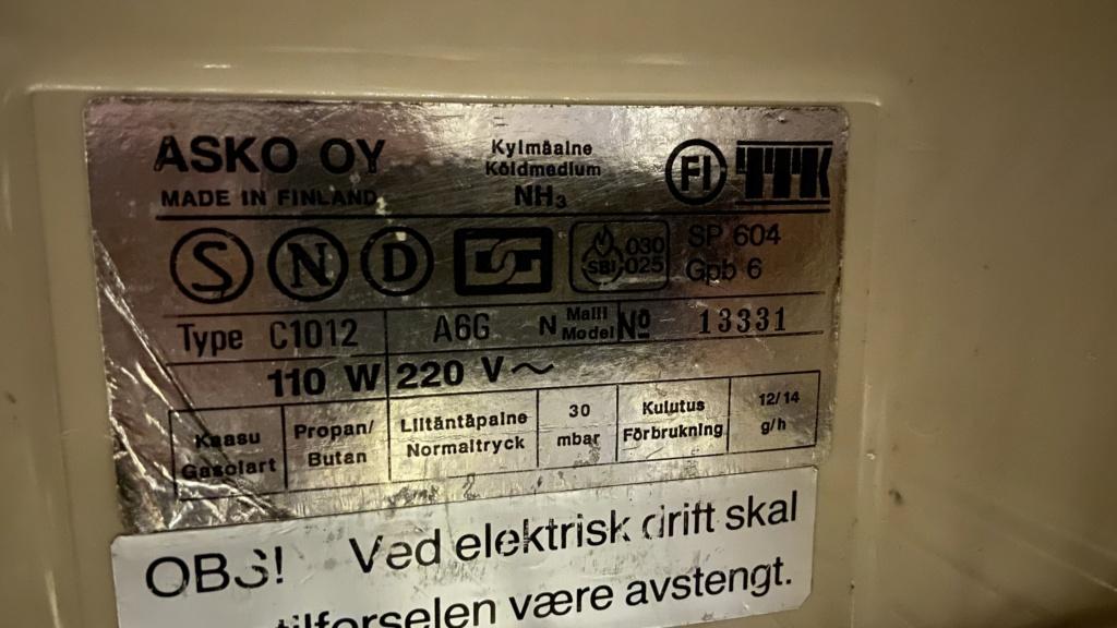 Kjøleskap på elektrisitet 2020-011