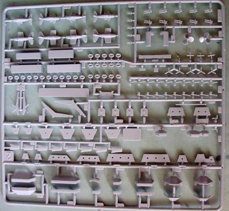 [Heller] Arromanche  / HMS Collossus au 400 eme S7305236