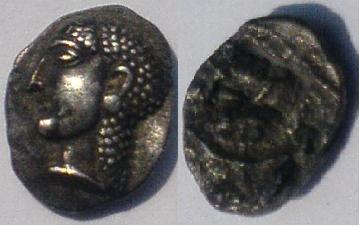 carré creux à la déesse type TYPOS III.  trésord'Auriol Cc10