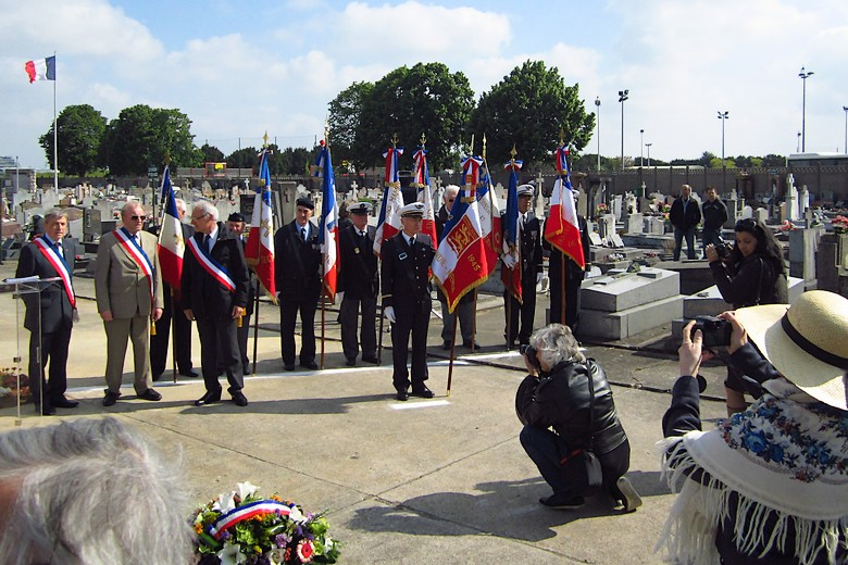 Normandie-Niemen - Page 4 Img_1311