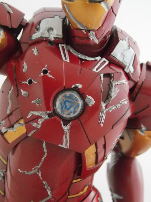 Iron Man Battle Damaged by Jonas Dscn1220