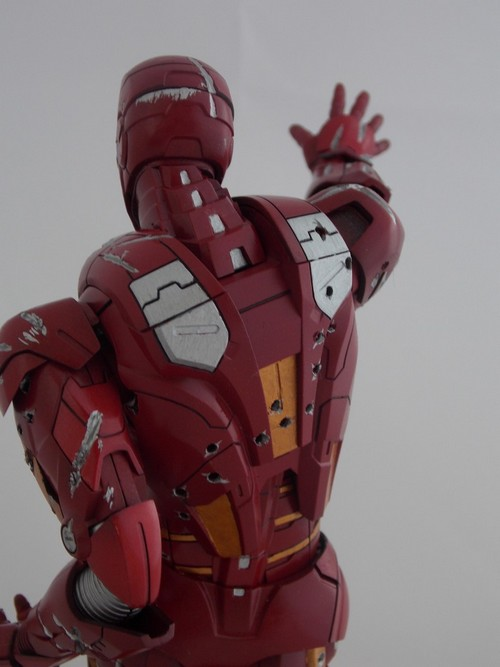 Iron Man Battle Damaged by Jonas Dscn1225