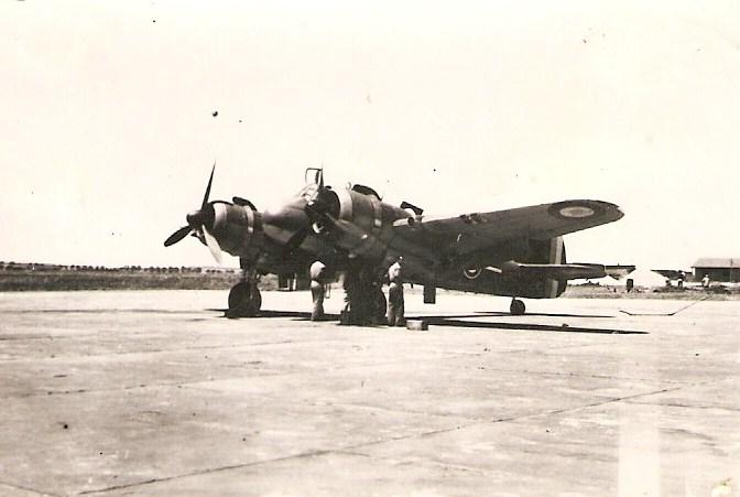 armee air AFN 1942 - Page 2 Beaufi10
