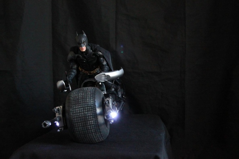 """La collection Hot Toys """" TDKR """" de Darth Vader Img_3910"""