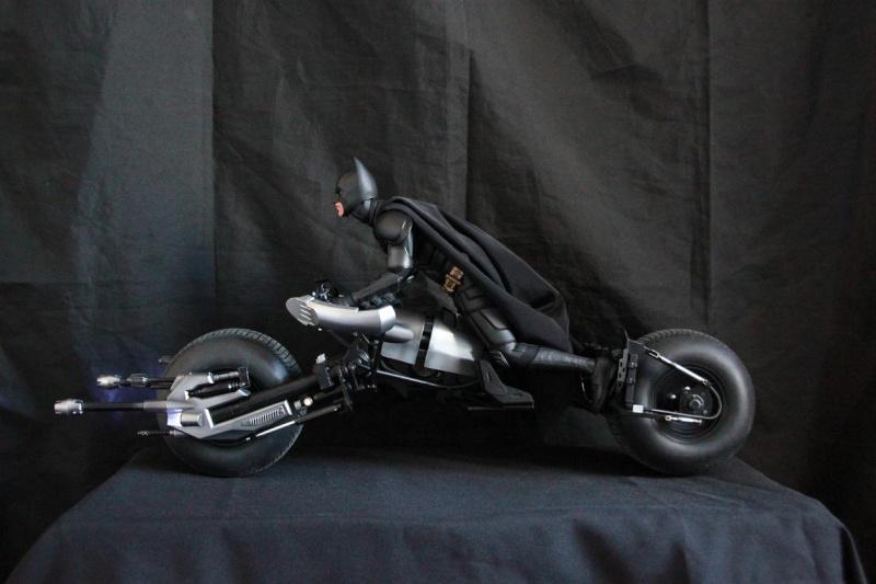 """La collection Hot Toys """" TDKR """" de Darth Vader Img_3911"""
