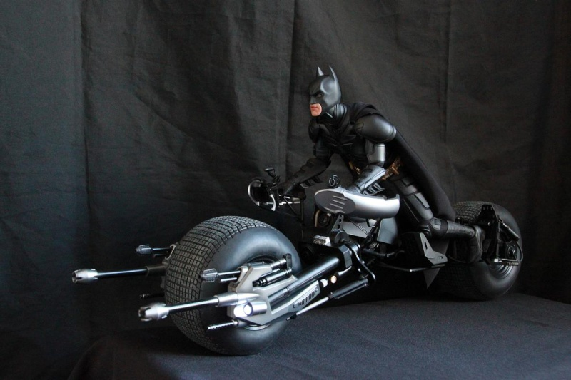 """La collection Hot Toys """" TDKR """" de Darth Vader Img_3912"""