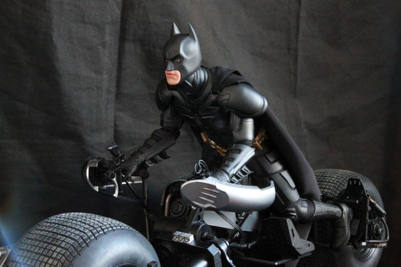 """La collection Hot Toys """" TDKR """" de Darth Vader Img_3913"""