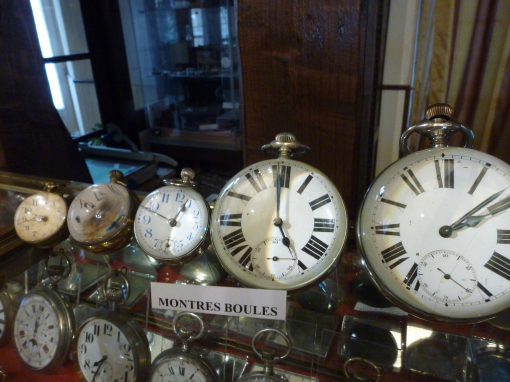 Une montre 'boule' trouvée en brocante - Page 2 P1020814