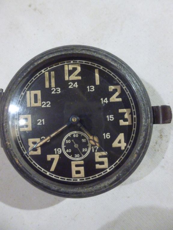 Les montres d'aéronef Type 20 de Zenith  - Page 2 P1030026