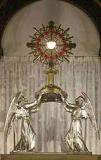L'adoration eucharistique à la Basilique du Sacré Cœur de Paris Arton110
