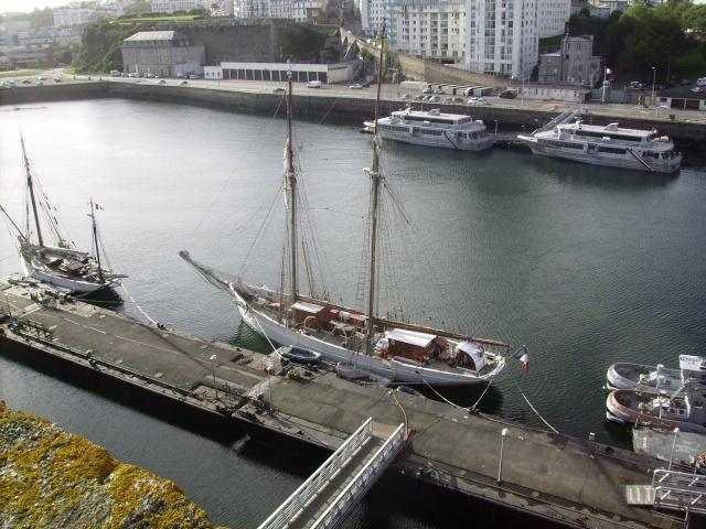 [Les ports militaires de métropole] Port de Brest - Page 3 Imgp2225