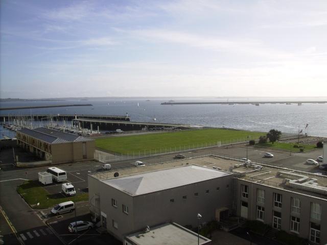 [Les ports militaires de métropole] Port de Brest - TOME 1 - Page 3 Imgp2239