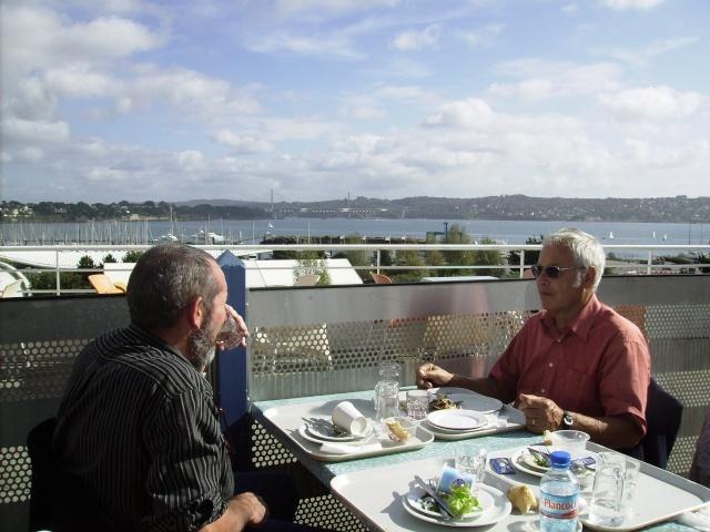 [Les ports militaires de métropole] Port de Brest - Page 3 Imgp2247