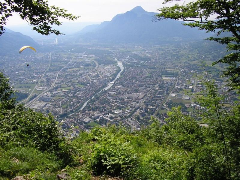La Route des Grandes Alpes - Page 2 Cluses10
