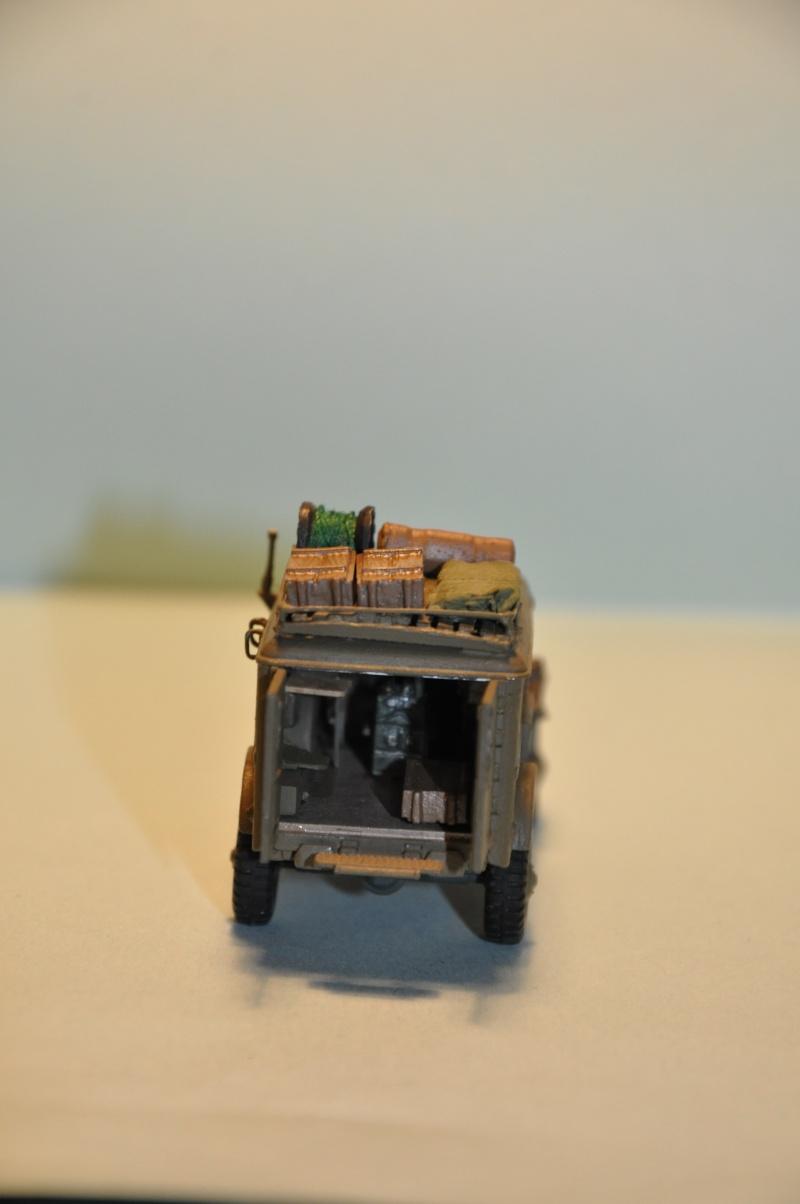 dodge wc54 signal corps 1/72 academy Dsc_1412
