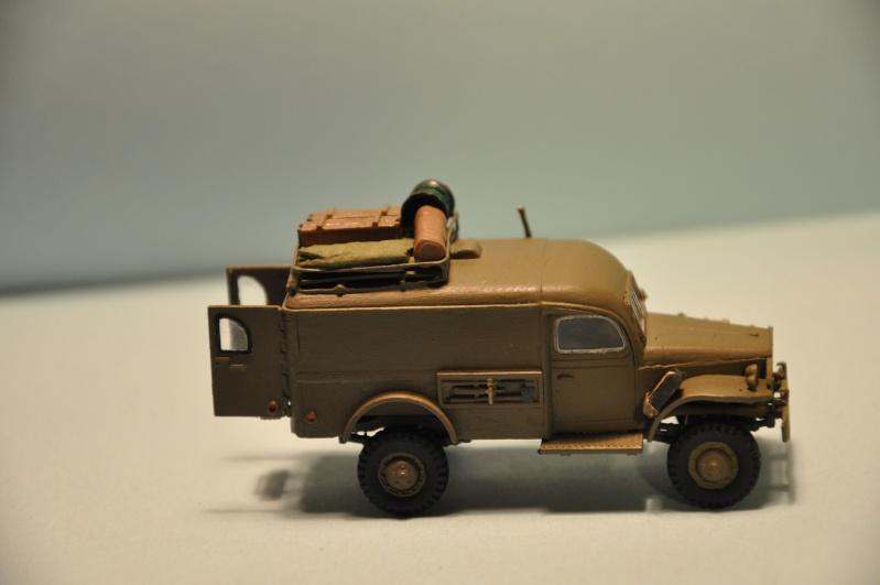 dodge wc54 signal corps 1/72 academy Dsc_1413