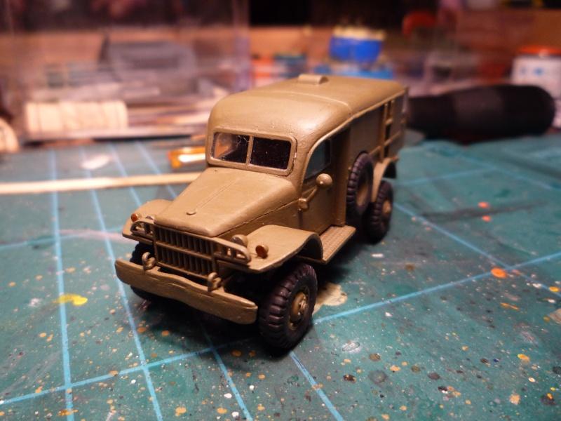 dodge wc54 signal corps 1/72 academy P1040521