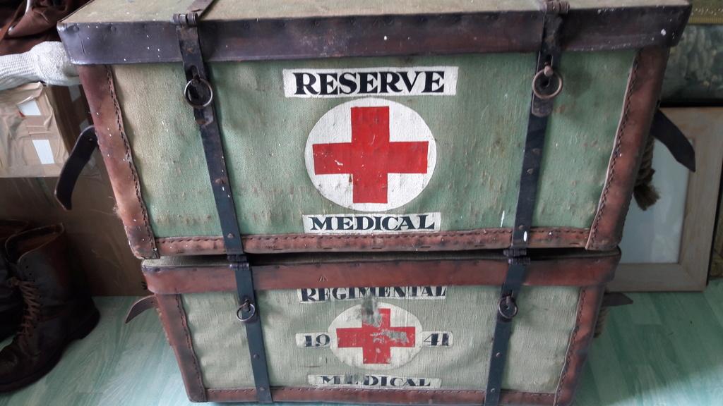 Marquages malle medic GB 20180619