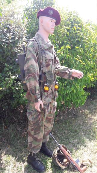 Un officier para sur DBP (modif). 20190289