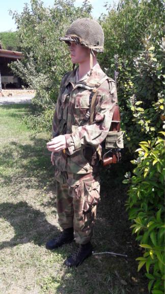 Un officier para sur DBP (modif). 20190294
