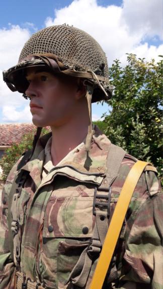 Un officier para sur DBP (modif). 20190857