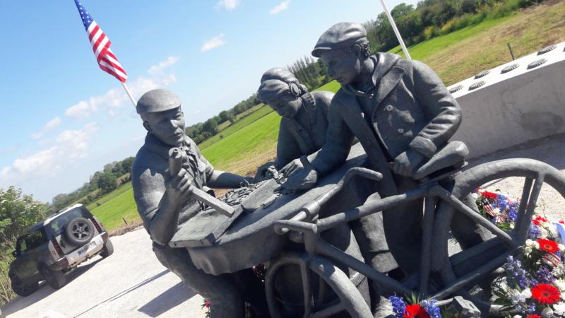 Stèle honorant la résistance / le SOE en Normandie 20210617