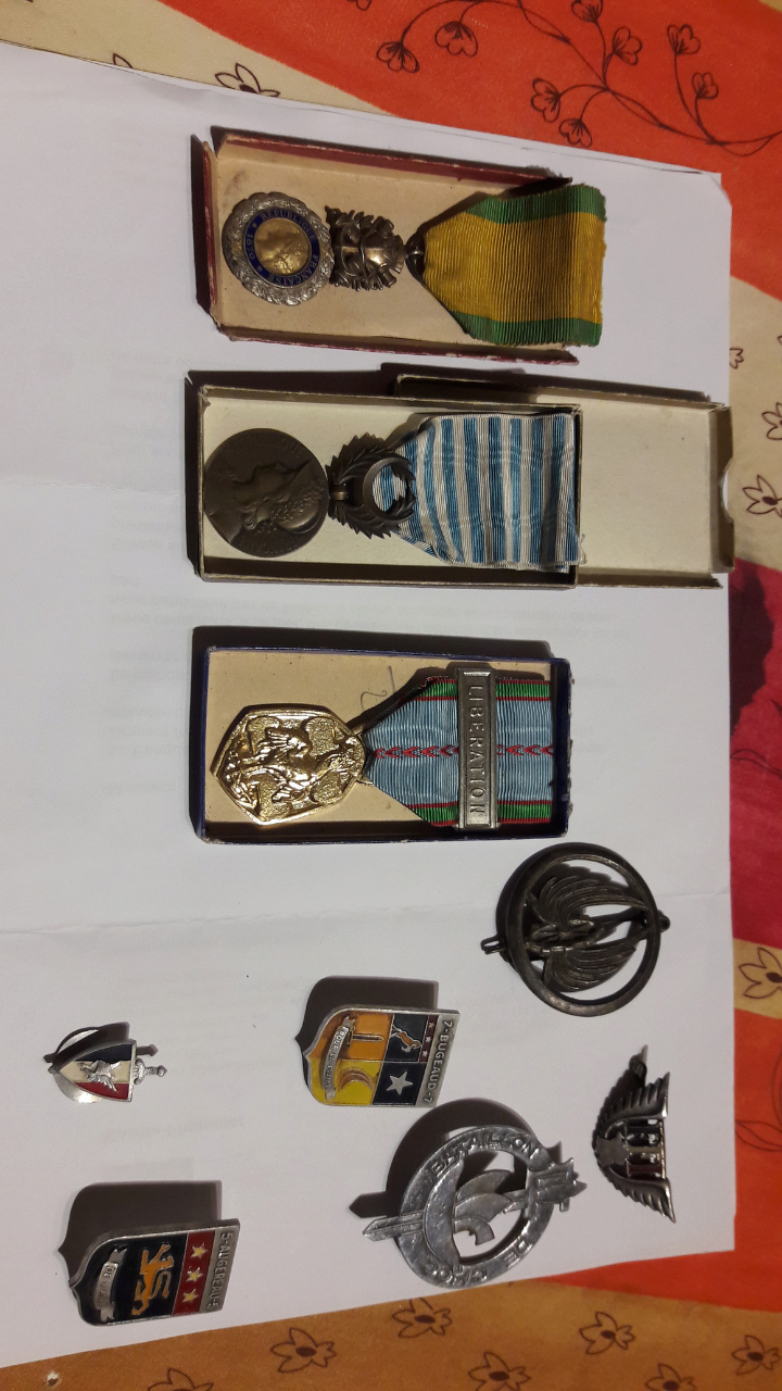 De l assez rare CJF et des medailles communes Scree290