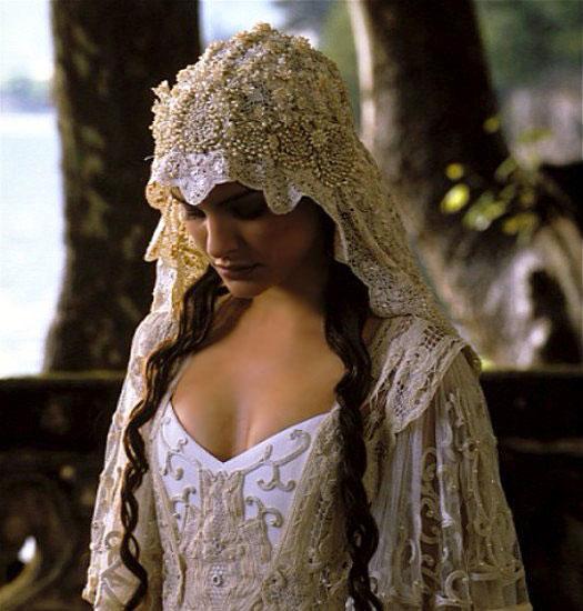 Les plus belles robes vues à l'écran - Page 2 Padmew10