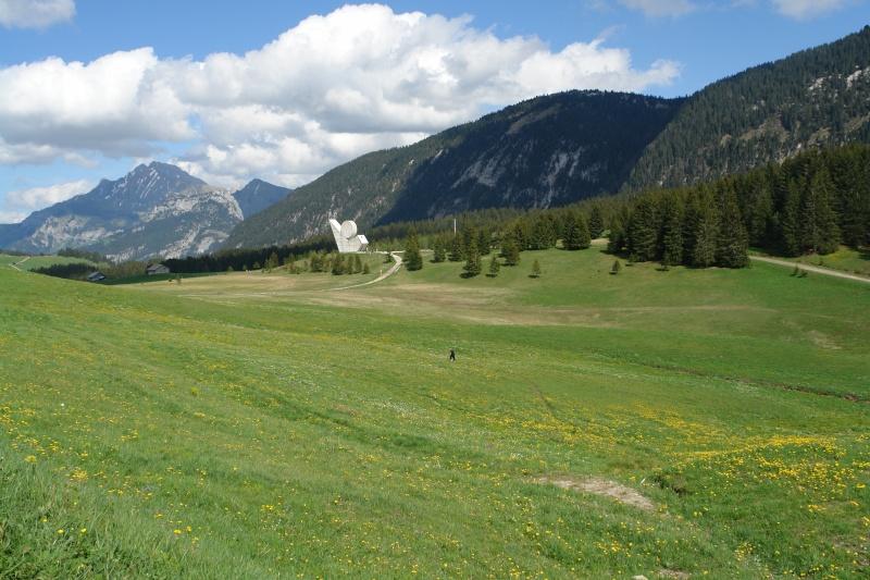 La Route des Grandes Alpes - Page 4 Monume10