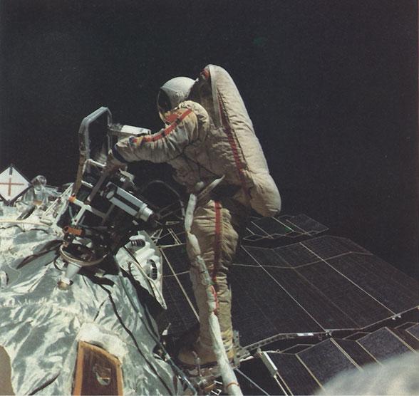 Il y a 25 ans la première femme à sortir dans l'espace Soyuz_10