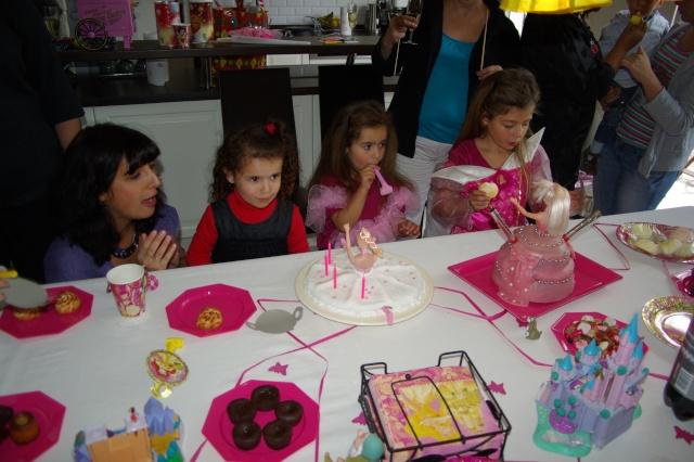 gâteaux rigolos pour mes petites-filles. Imgp5212