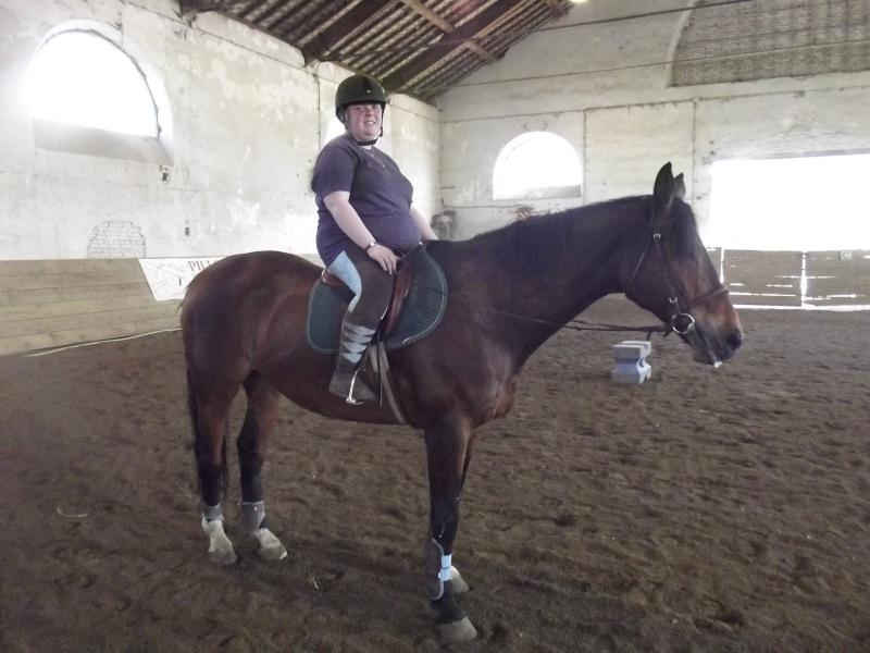 mes cours d'équitation - Page 2 Dscf0010