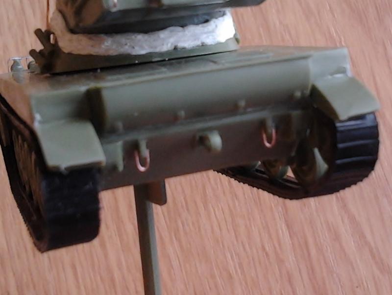 AMX-13 105 [HELLER] 1/72. MAJ 09/05 - Page 2 2013-012