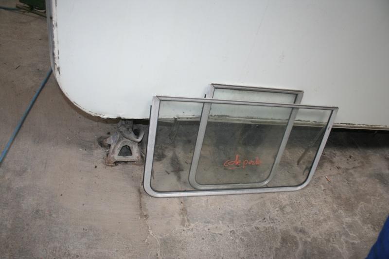 RESTAURATION DUNE CARAVANE TYPE MOBIL HOME THEILLAY 650 LOFT VINTAGE - Page 3 A_trie16