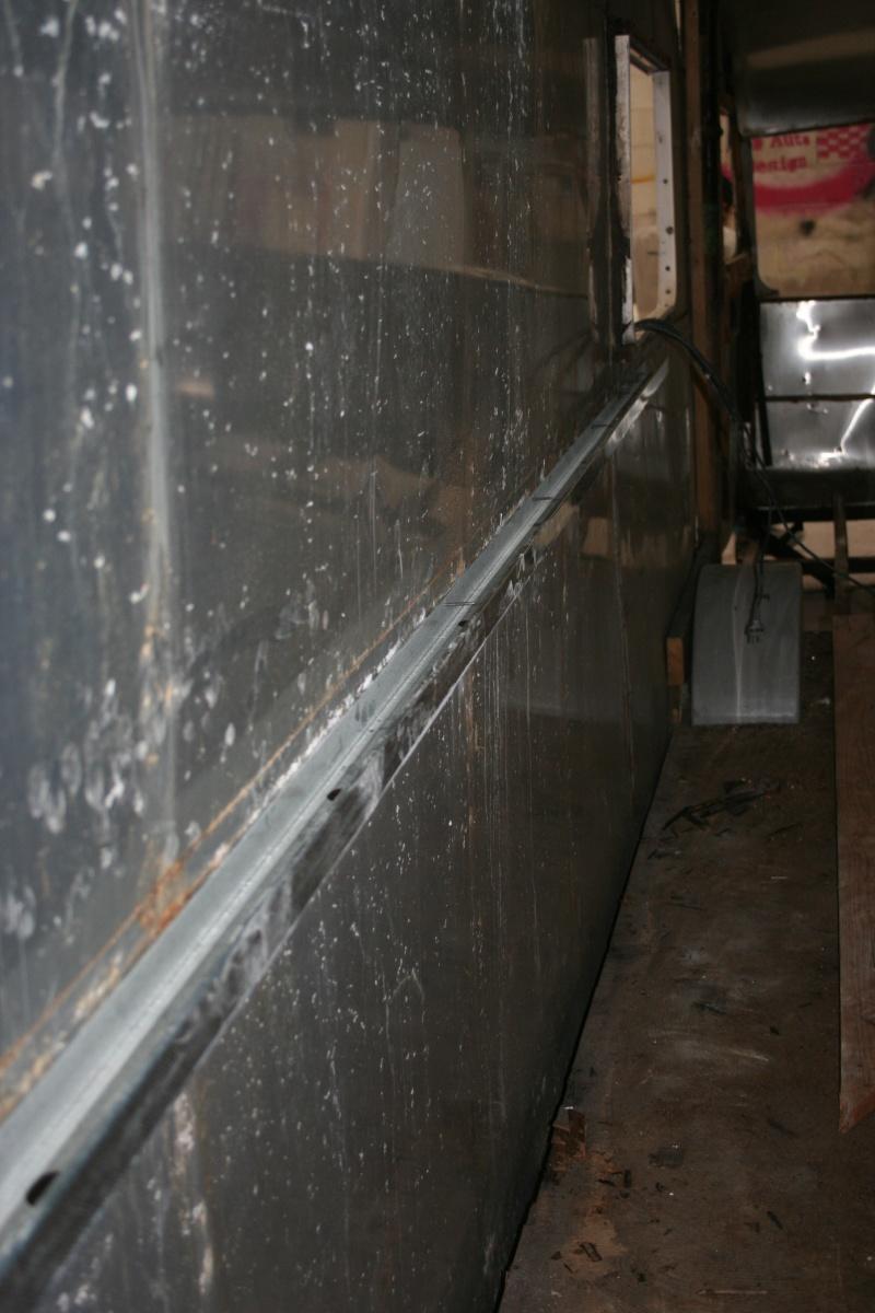 RESTAURATION DUNE CARAVANE TYPE MOBIL HOME THEILLAY 650 LOFT VINTAGE - Page 3 Divers13