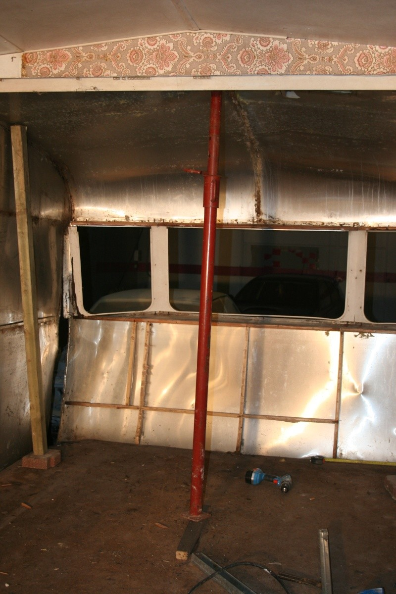 RESTAURATION DUNE CARAVANE TYPE MOBIL HOME THEILLAY 650 LOFT VINTAGE - Page 3 Divers27