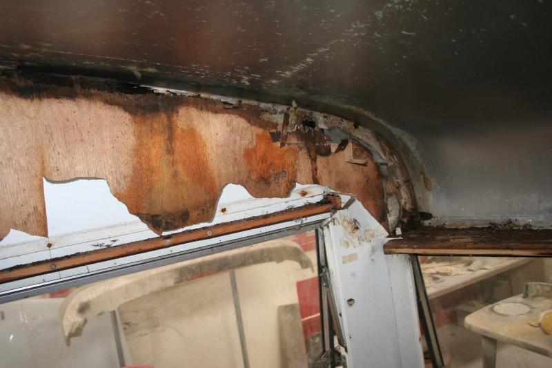 RESTAURATION DUNE CARAVANE TYPE MOBIL HOME THEILLAY 650 LOFT VINTAGE - Page 3 Kjhg_024