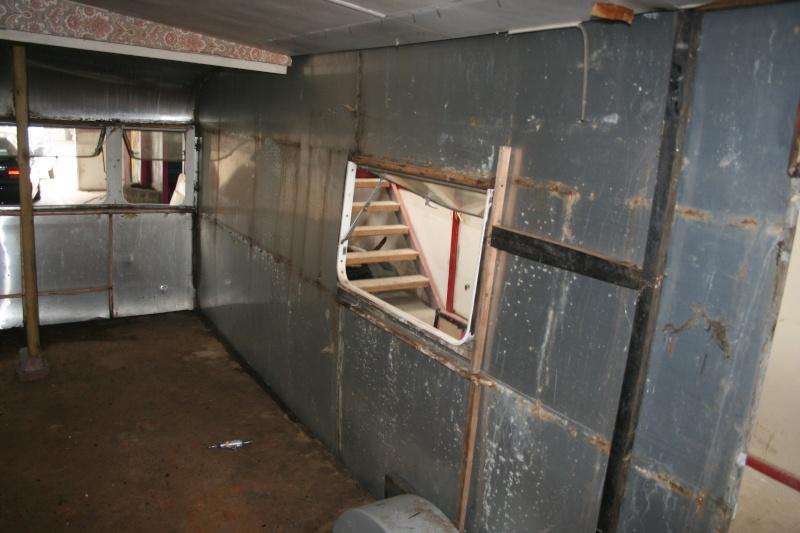 RESTAURATION DUNE CARAVANE TYPE MOBIL HOME THEILLAY 650 LOFT VINTAGE - Page 3 Kjhg_028