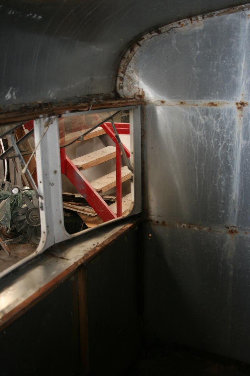 RESTAURATION DUNE CARAVANE TYPE MOBIL HOME THEILLAY 650 LOFT VINTAGE - Page 3 Kjhg_032