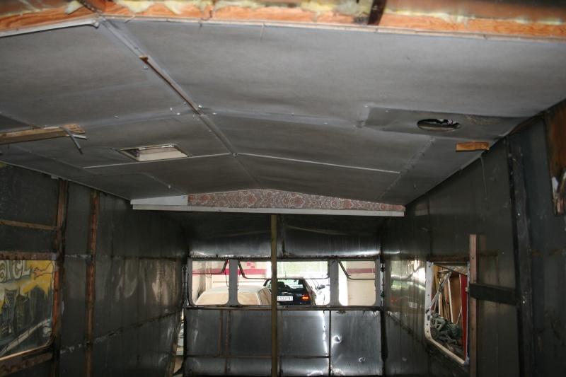 RESTAURATION DUNE CARAVANE TYPE MOBIL HOME THEILLAY 650 LOFT VINTAGE - Page 3 Kjhg_033