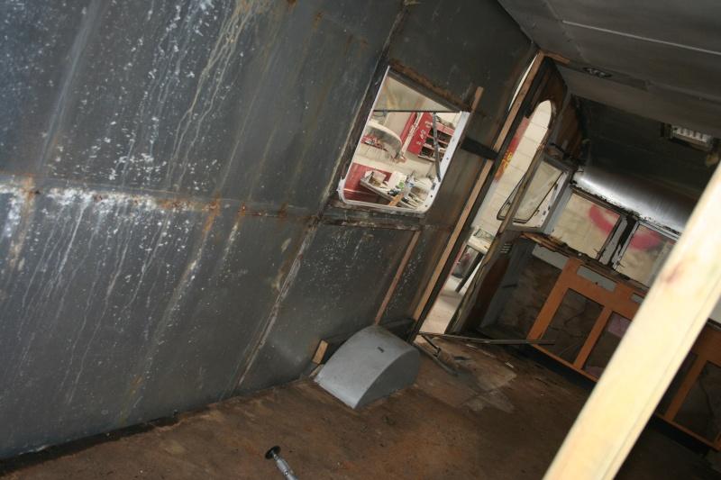 RESTAURATION DUNE CARAVANE TYPE MOBIL HOME THEILLAY 650 LOFT VINTAGE - Page 3 Kjhg_035
