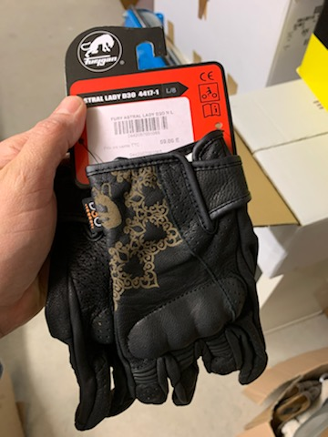 casque scorpion exo +gants T8 Img_0911