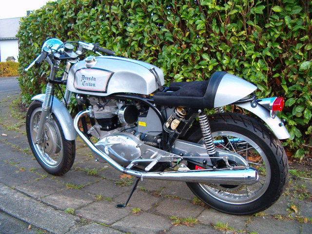 TRIUMPH RACER MORTEL Triton10