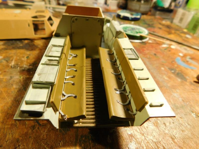 VAB valorisé 1/35 ( Heller+Blast models) Dscn1853