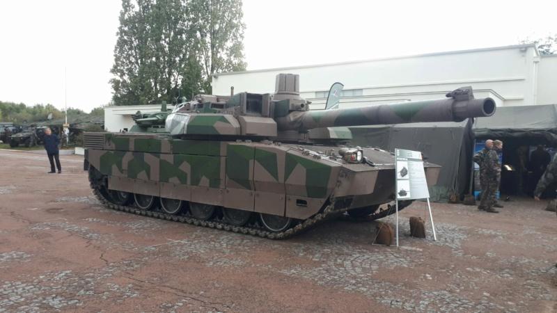 AMX 56 - LECLERC - HELLER 1/35 - FINI PAGE 7 - Page 8 Egcdnx10