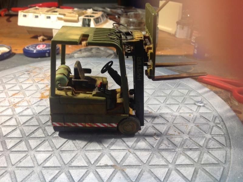 VAB valorisé 1/35 ( Heller+Blast models) - Page 3 Img_0017