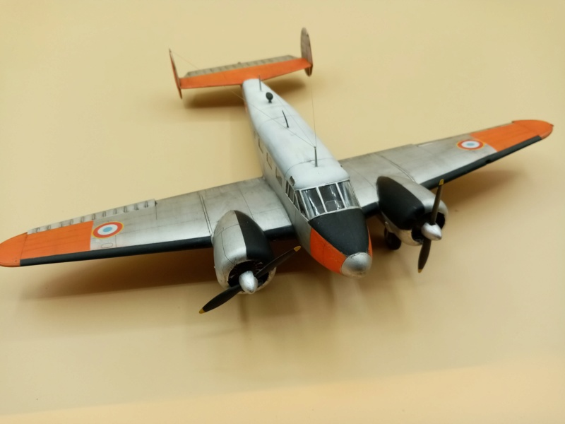 """Fil rouge 2019 : Beechcraft """"Expeditor"""" ICM 1/48 *** Terminé en pg 2 - Page 2 Img_2065"""