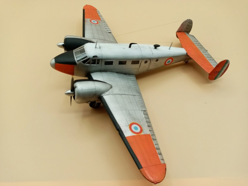 """Fil rouge 2019 : Beechcraft """"Expeditor"""" ICM 1/48 *** Terminé en pg 2 - Page 2 Img_2067"""