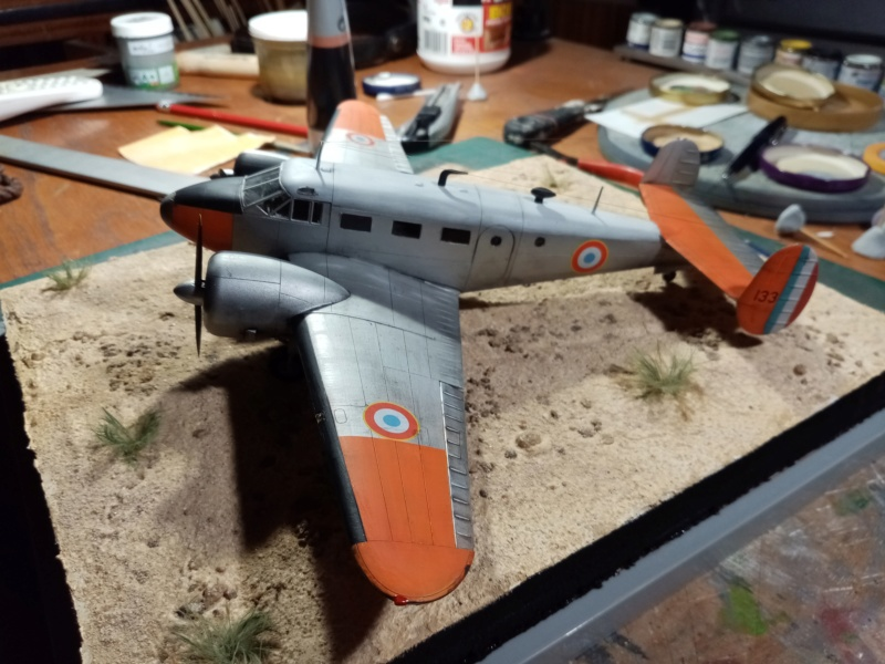 """Fil rouge 2019 : Beechcraft """"Expeditor"""" ICM 1/48 *** Terminé en pg 2 - Page 2 Img_2111"""