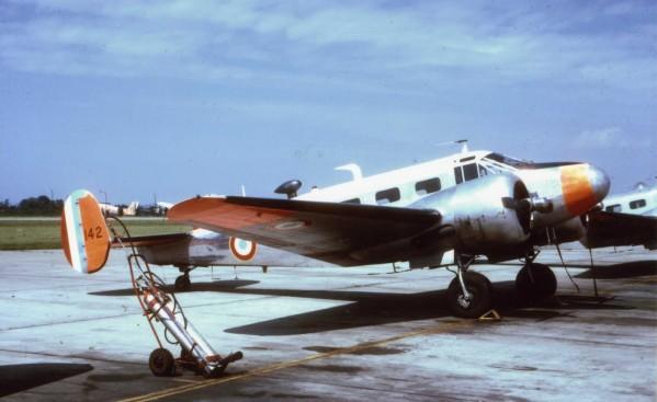 "Fil rouge 2019: Beechcraft ""expeditor"" ICM 1/48 Photo_10"